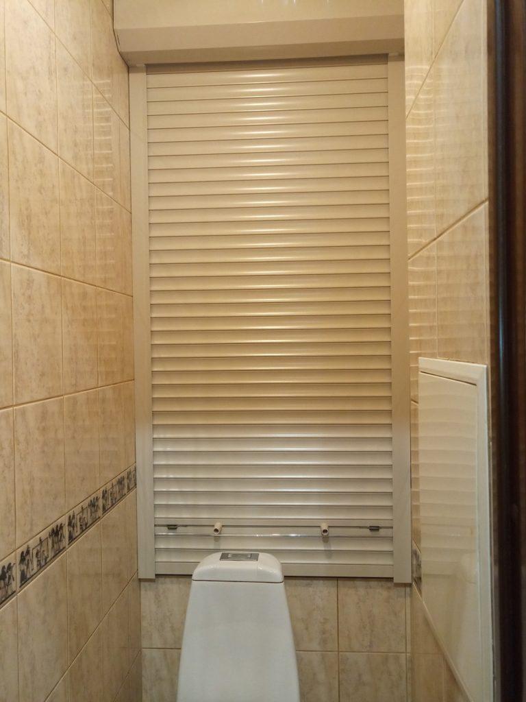 Сантехническая роллета в туалет