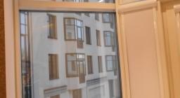 автоматические рулонные шторы для пластиковых окон