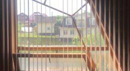 вертикальные жалюзи на треугольные окна