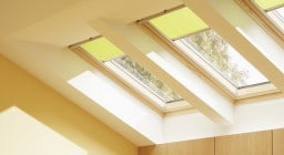 Мансардные рулонные шторы