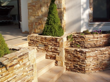 Облицовка домов искусственным камнем