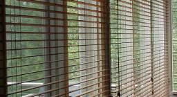 Жалюзи из бамбука — преимущества и цветовые решения