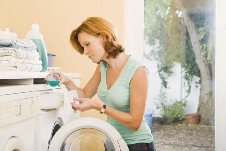 Как постирать жалюзи в домашних условиях - подготовительные этапы и стирка вручную, в машинке. Чистка алюминиевых и пластиковых жалюзи