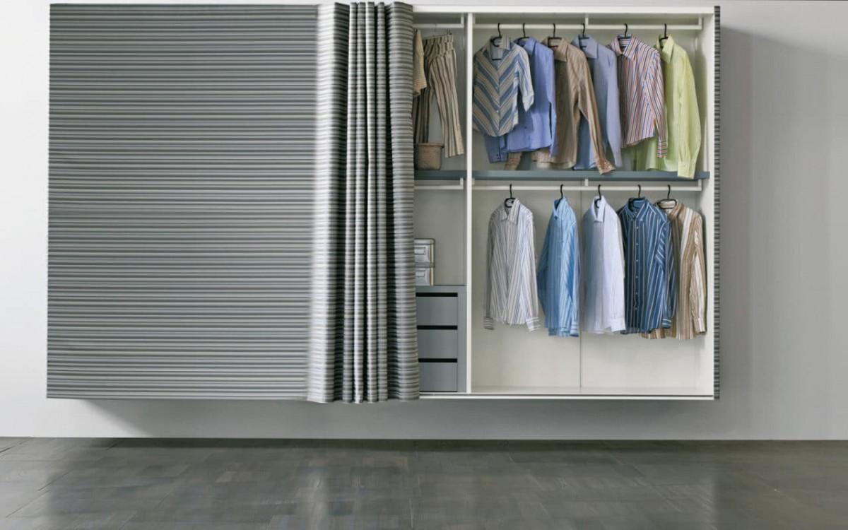 Рулонные шторы вместо двери в гардеробную