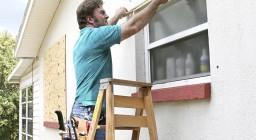 Как выполнить замеры для установки на пластиковое окно москитной сетки?