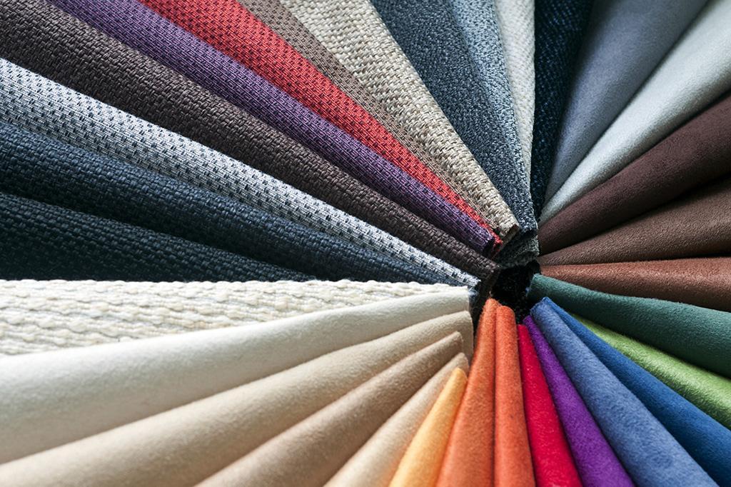 Выбор текстиля для рулонных штор