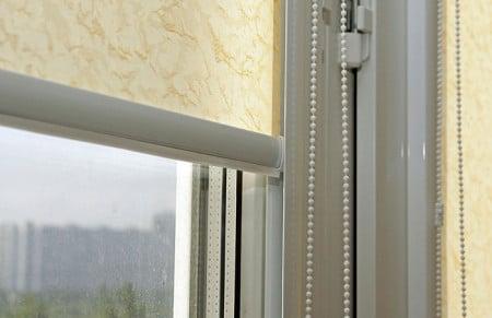 Кассетные рулонные шторы на пластиковые окна