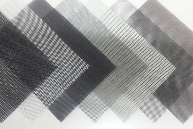 Полотна для москитных сеток и их применение