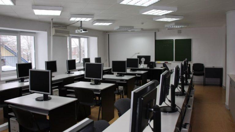жалюзи в компьютерный класс